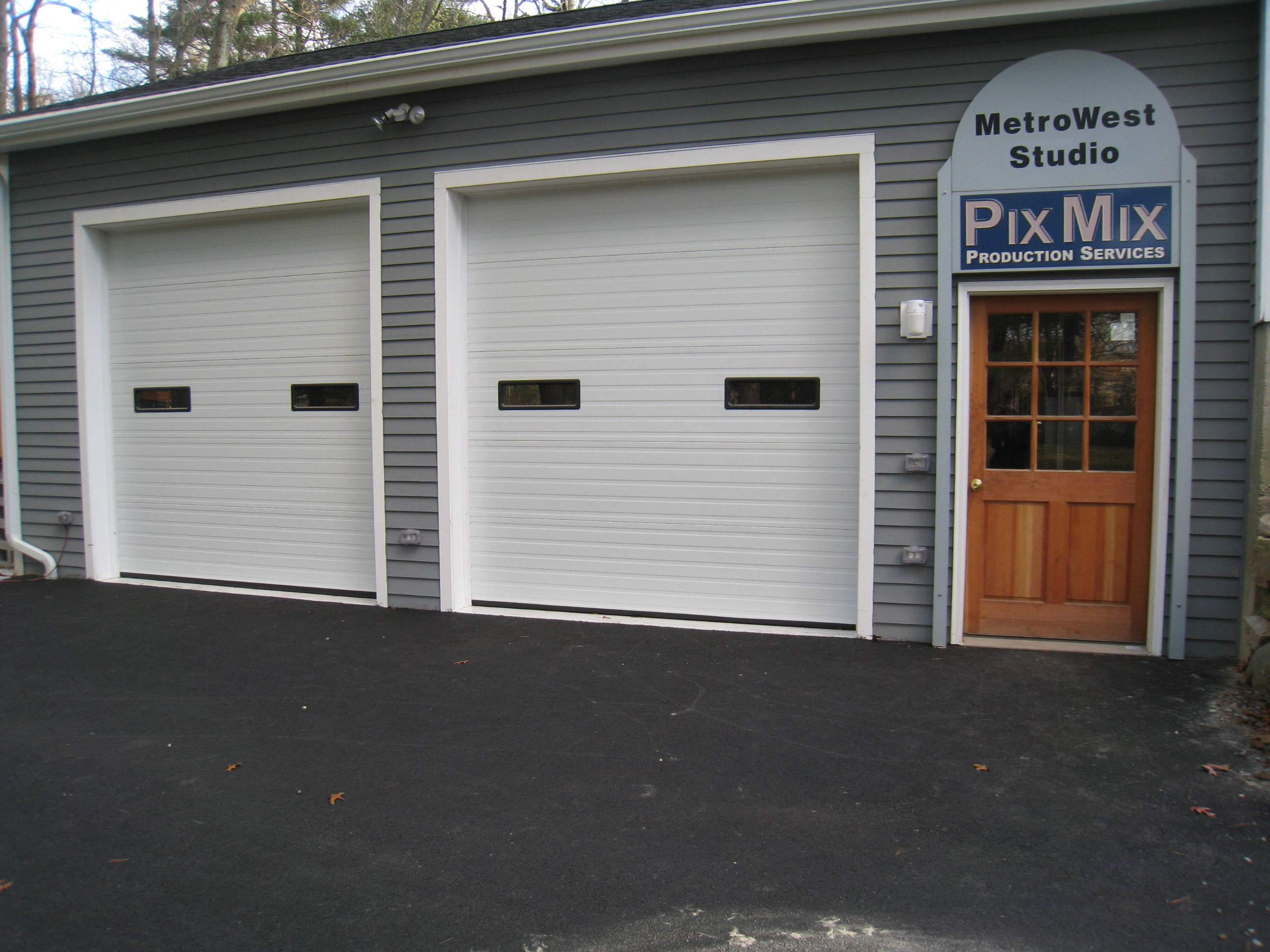 Large Doors Allow Easy Load In & Out